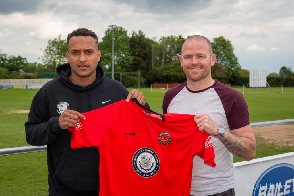 Player Signing-11